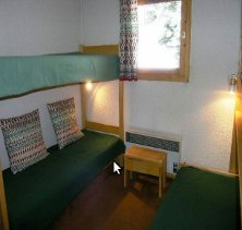 type-E-5-persons-bedroom