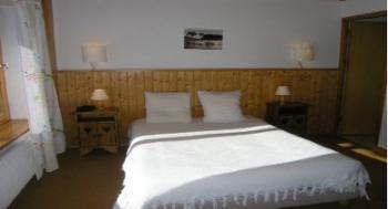 type-G-6-persons-bedroom